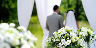 """5 Questions to Ask Before Saying """"Yes"""" to the Wedding Venue, Lake St. Louis, Missouri"""