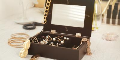 3 Essential Tips for Coordinating Jewelry With Your Outfit, Blue Ash, Ohio