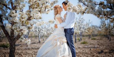 What Flowers Are Best for a Spring Wedding? , Lakeville, Connecticut