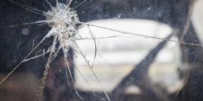 Will Auto Glass Repair Fix Your Side Door Windows? Or Do They Need to be Replaced?, Honolulu, Hawaii