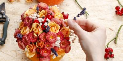 What Floral Arrangements Work Best for Fall Centerpieces?, ,