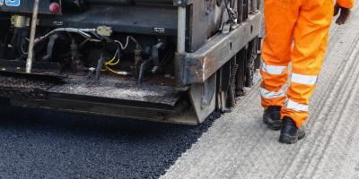 3 Essential Steps For Resurfacing Asphalt Driveways, Charlotte, North Carolina