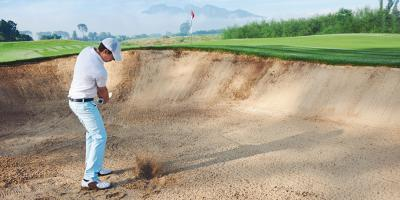 3 Tips for Hitting Golf Balls Out of Bunkers, Onalaska, Wisconsin