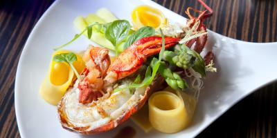 Choose Your Own Crab or Lobster at This Waikiki Seafood Restaurant, Honolulu, Hawaii