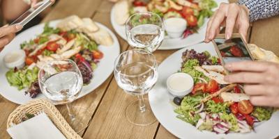 4 Simple Tips for Eating Healthy at Restaurants, Honolulu, Hawaii