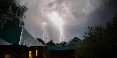 3 Steps Roofing Contractors Suggest to Prepare for Spring Storms, Lakeville, Minnesota