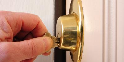 What Are the Differences Between Single- & Double-Cylinder Door Locks?, Cuyahoga Falls, Ohio