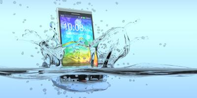 The Do's & Don'ts of Fixing Phone Water Damage, Islip, New York