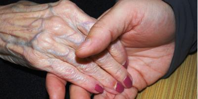 3 Ways to Bond With Patients in Alzheimer's Care, Washington, Ohio