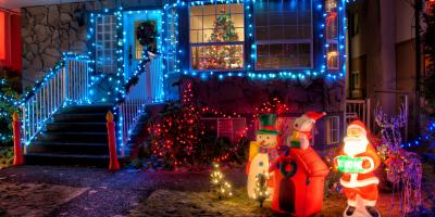 3 Reasons to Hire an Electrician to Handle Christmas Lighting, Poughkeepsie, New York