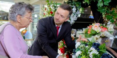 4 Questions to Ask When Planning a Funeral, Greenwich, Connecticut