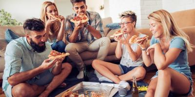 A Quick Guide to Ordering Pizza for a Group, Gulf Shores, Alabama