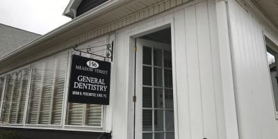 3 Dental Care Travel Tips, Naugatuck, Connecticut