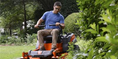 3 Pieces of Lawn Equipment to Use on Expansive Landscapes, Middlefield, Ohio