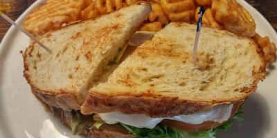 4 Menu Items to Eat at Egghead Cafe If You Don't Want Breakfast, Honolulu, Hawaii