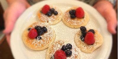 3 Breakfast Ideas for Toddlers at Eggs 'n Things, Honolulu, Hawaii