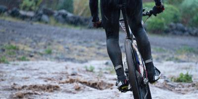 Honolulu's Bike Shop Shares Safety Tips for Riding in Wet Weather, Honolulu, Hawaii