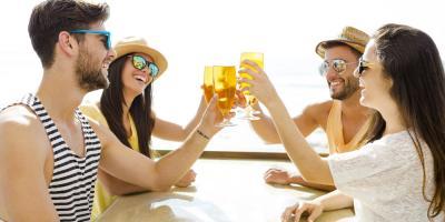 Top 4 Reasons to Visit a Beachside Bar, Honolulu, Hawaii
