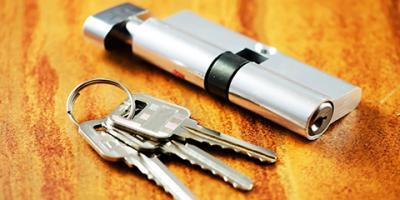 4 Signs Your Door Needs Lock Repairs, Kenvil, New Jersey