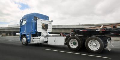 4 Benefits of Flatbed Trucks, St. Louis, Missouri