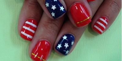 L&T Nails Celebrates 4th of July With Patriotic Manicures, Sycamore, Ohio