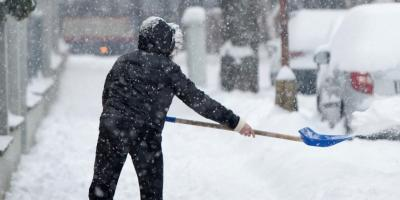5 Ways to Avoid Neck & Back Pain From Shoveling Snow, Mountain Home, Arkansas