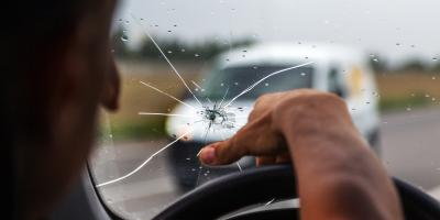 3 Common Mistakes People Make With Cracked Windshields, Lincoln, Nebraska