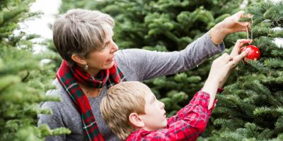 5 Tips to Choosing the Perfect Christmas Tree & Wreath, Perinton, New York