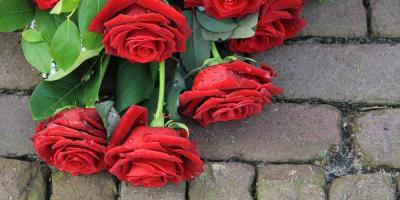What Are the Best Types of Flowers to Send for a Funeral?, North Haven, Connecticut