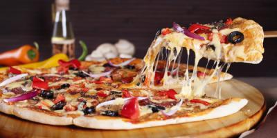 Why Restaurant Pizza Tastes Better Than Homemade Pizza, Oconto, Wisconsin