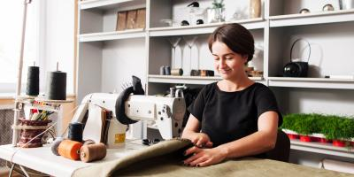 Top 3 Differences Between a Seamstress & a Tailor, Dublin, Ohio