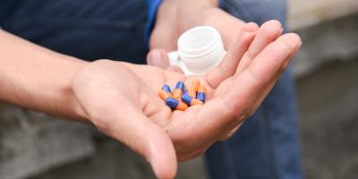 3 Signs Your Teen Is Using Opiates, North Aurora, Illinois