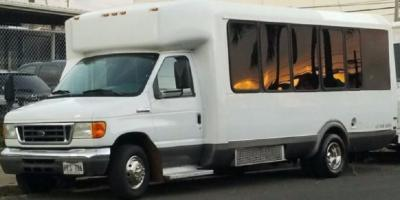 5 Benefits of Booking a Party Bus for a 21st Birthday, Ewa, Hawaii