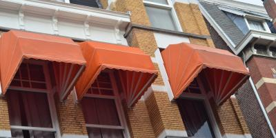 Choosing Between Stationary & Retractable Awnings, Rochester, New York