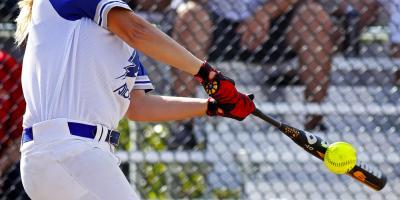 Sports Gear Experts' Guide to Choosing a Softball Bat, Lake St. Louis, Missouri