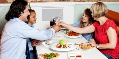 4 Benefits of Eating at a Local Family-Owned Restaurant, Stamford, Connecticut