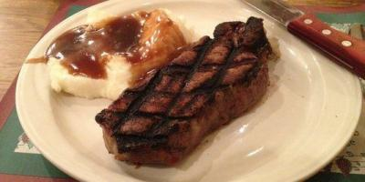 "3 Reasons Chances ""R"" Restaurant & Lounge Excels at Homemade Cooking, York, Nebraska"