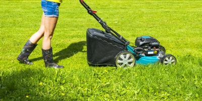 How Are Push Mowers Different Than Lawn Tractors?, De Soto, Missouri