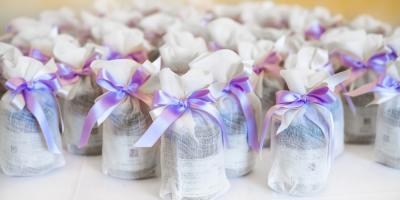 Decorating Your Wedding Venue: 9 Useful Favors for Your Guests, Honolulu, Hawaii