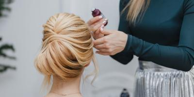 3 Lessons About Getting Your Hair Done From Seasoned Prom Attendees , Onalaska, Wisconsin