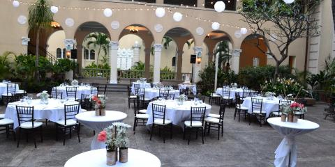 Using the Same Wedding Venue for the Ceremony & Reception, Honolulu, Hawaii