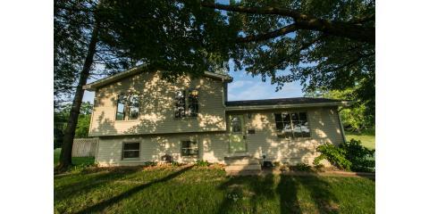 New Listing| Offered by Gwen Kosel, Dyersville, Iowa