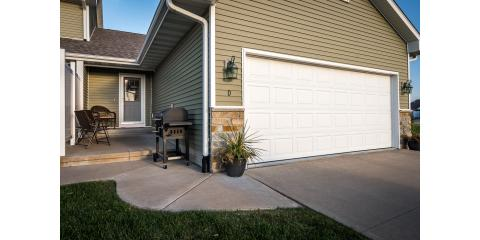 Pond in your back yard! OPEN HOUSE SUNDAY, DEC 4TH 1:30PM-3:00PM! 1650 Lilly Ln, Unit D, Davenport, IA, Davenport, Iowa