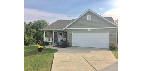 Wooded back yard! Like New! OPEN HOUSE SUNDAY, NOV 20TH 2:30PM-3:30PM! 16 W Village Cir, Davenport, IA, Davenport, Iowa