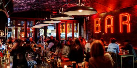 $5 Burger Happy Hour at e's BAR, Manhattan, New York