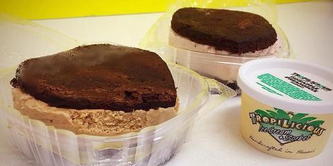 4 Reasons to Enjoy an Ice Cream Sandwich, Honolulu, Hawaii