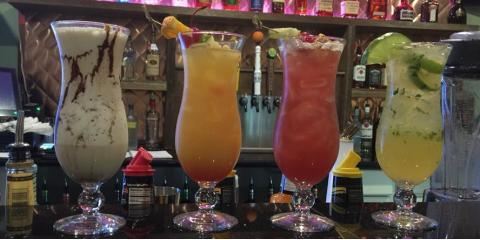 Enjoy a Cocktail at Barefoot Island Grill's Happy Hour!, Orange Beach, Alabama