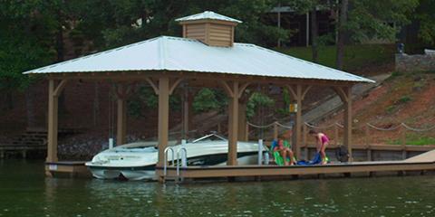 3 Benefits of Having a Boathouse Over a Dock, Talladega, Alabama
