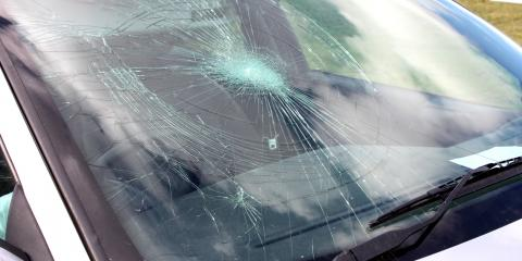 4 Reasons to Replace Cracked Auto Glass, Chillicothe, Ohio