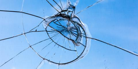 Avoiding Windshield Replacement: How to Stop the Spread of Windshield Cracks, Rochester, New York